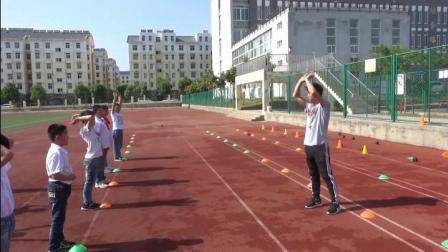 《肩上双手掷实心球》优质课)(科学版四年级体育,程龙伟)