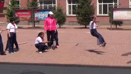 《跨越式跳高》優質課(科學版四年級體育,孫麗紅)