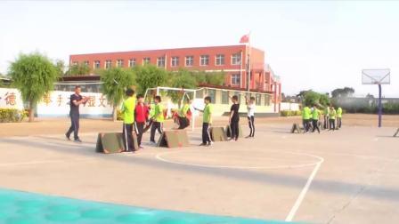 《跨越式跳高》優質課(科學版六年級體育,郝春雨)