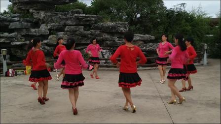 《苗乡侗寨请你来》-可塘晨曦广场舞队