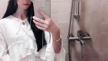 微信小视频:美女Q友静静「在浴室自拍」 - 微信视频