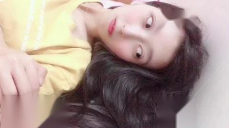 微信小视频:美女Q友静静「在床上躺着」  - 微信视频