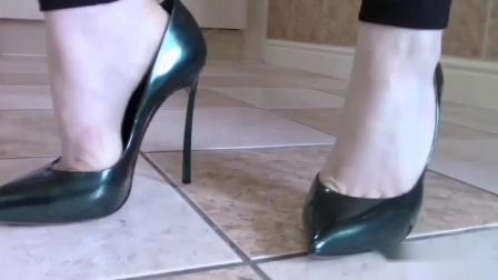 试穿12cm高跟鞋