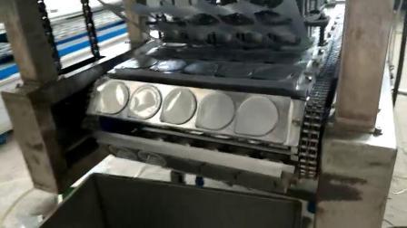 带自动放铝片杯装蛋黄酥自动封口机 蛋黄酥杯装封膜机