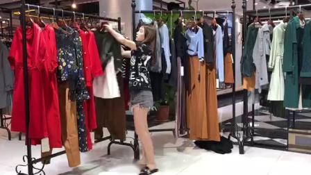 找大牌女装 羽纱国际 18春装 品牌女装尾货 工厂低价批发平台 13189503007