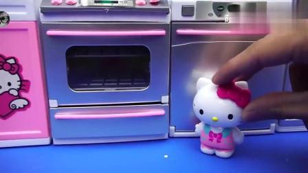 hellokitty用电烤箱烤蛋糕