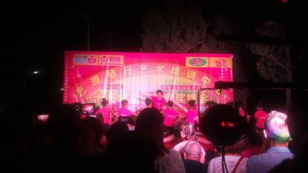 马桥镇艺源琴行精彩演出。