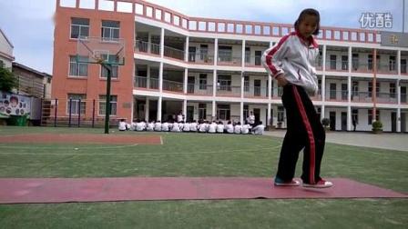 我在28班女生1立定跳远视频截了一段小视频