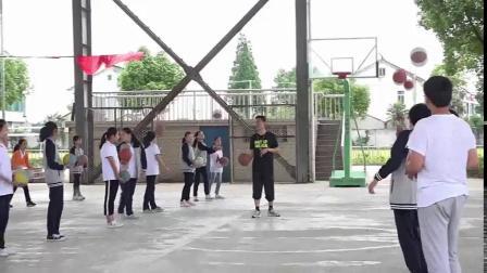 《双手胸前传接球》优质课(人教版初一体育与健康,华卫群)