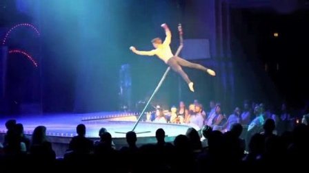 我在另类的欧美丁字钢管舞视频男子空中舞蹈表