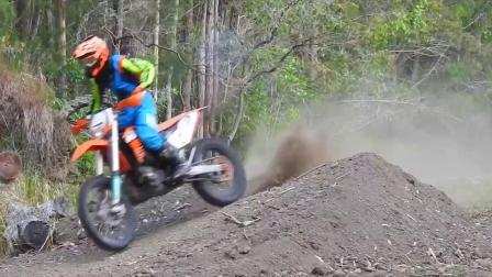 Howie Productions for 2018 __ KTM200EXC