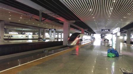 G9685次(郴州西站—广州南站)本务广州动车段CR400AF-2028停靠广州南站