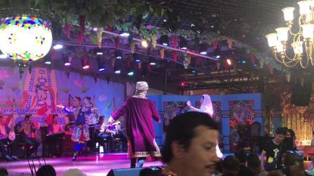 吐鲁番葡萄宴会表演IMG_0932