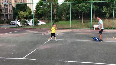 2018.08.20.灏哥练习网球01