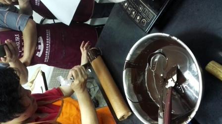 西点师高级-巧克力蛋糕卷淋面