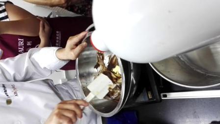 西点师高级-巧克力戚风蛋糕