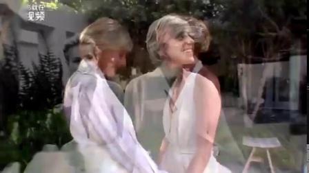 Ellen与妻子Portia结婚十周年纪念,两人好甜蜜~