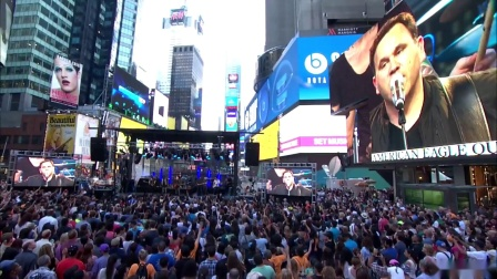 10,000 Reasons Live in Times Square-1080p