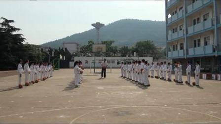 《籃球——雙手胸前傳接球》優質課(蘇教版體育四年級,王永波)