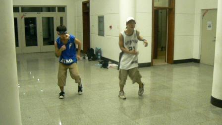 2007年于瀚和苏毅(万人街舞排练)