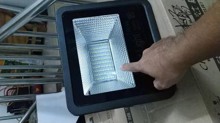 厨妃60W太阳能灯