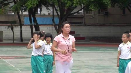 《立定跳遠》三年級體育,郭清霞