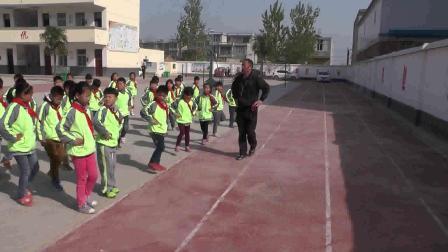 《立定跳遠》科學版二年級體育,阜陽市縣級優課