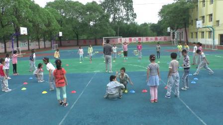 《立定跳遠》科教版三年級體育,吳何敏
