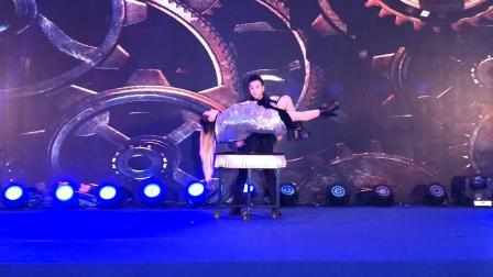 魔术师王翔#360度无死角美女悬浮