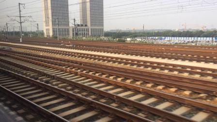 G175次列车【南-青岛】进济南西站。