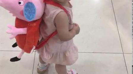 暧暧幸福广场舞,这是大宝宝十二个月零十六天的视频,好可爱吧。