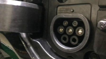 新鸿达起亚K5插电混动版车型到店