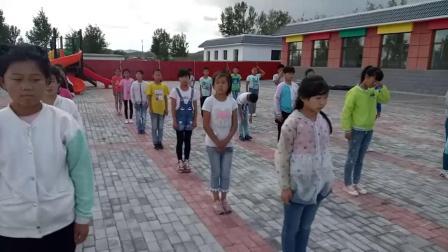 《前滾翻》科學版體育一年級,通遼市縣級優課