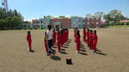 《连续并脚跳绳和单脚交换跳绳》科学版体育二年级,佳木斯市县级优课