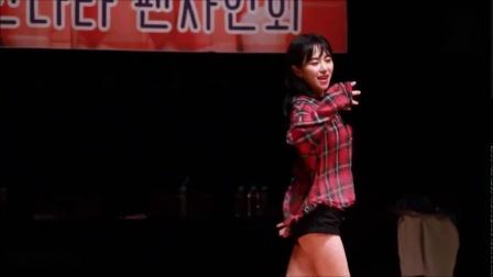 韩国美女小姐姐一个人跳舞略显孤独_大长腿白白