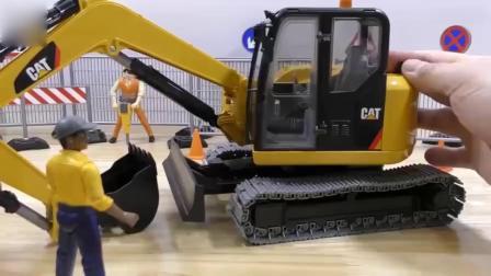 亲子:儿童电动遥控工程车玩具 挖土机动画片 挖掘机工作视频