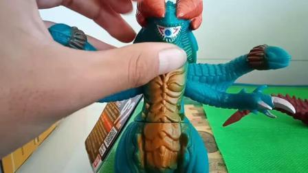 罗布奥特曼玩具加高尔贡怪兽软胶