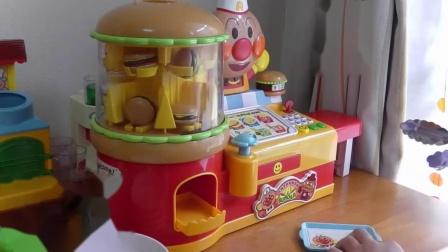 亲子:面包超人的汉堡包店玩具视频