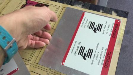 【对比6色机和8色机】 铝板打印-黄先生13590119252