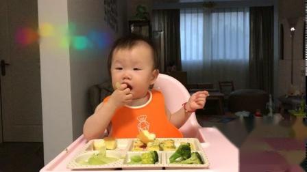 【朱耿耿日食记12M25D】晚餐:西兰花➕芹菜➕鲜虾鸡蛋糕➕柠檬蛋糕