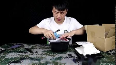"""试吃日式自热火锅""""寿喜锅"""",包装很漂亮,吃起来也没让我失望"""