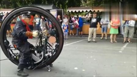 国外牛人发明的装了发动机的独轮车没见过吧