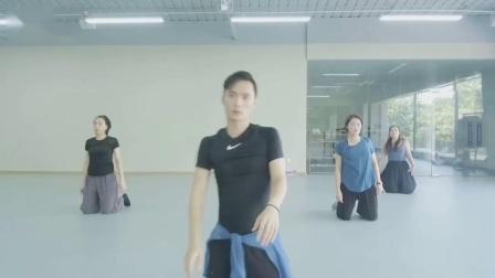 203Y白羊现代舞