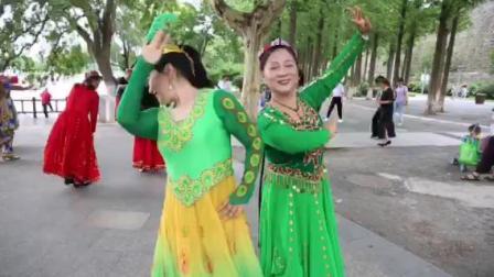 王玲老师即兴新疆舞双人舞