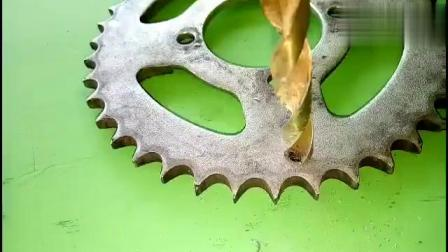 废旧的齿轮牛人这样改造,实用不错,让人佩服