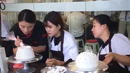甜蜜优选烘焙学院 蛋糕培训 裱花培训