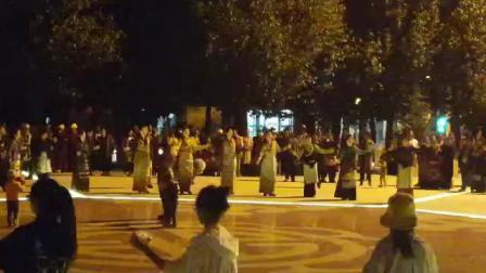 理塘广场舞