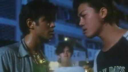 我在香港电影【龍虎砵兰街】(粤语)截了一段小视频