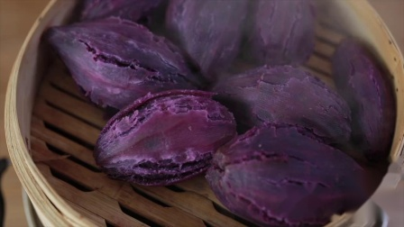 香甜软糯的紫薯月饼,不用烤箱在家也能做!