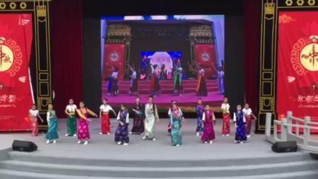 上海喜玛拉雅锅庄舞团少年团,在百年大世界舞台展演精彩一刻